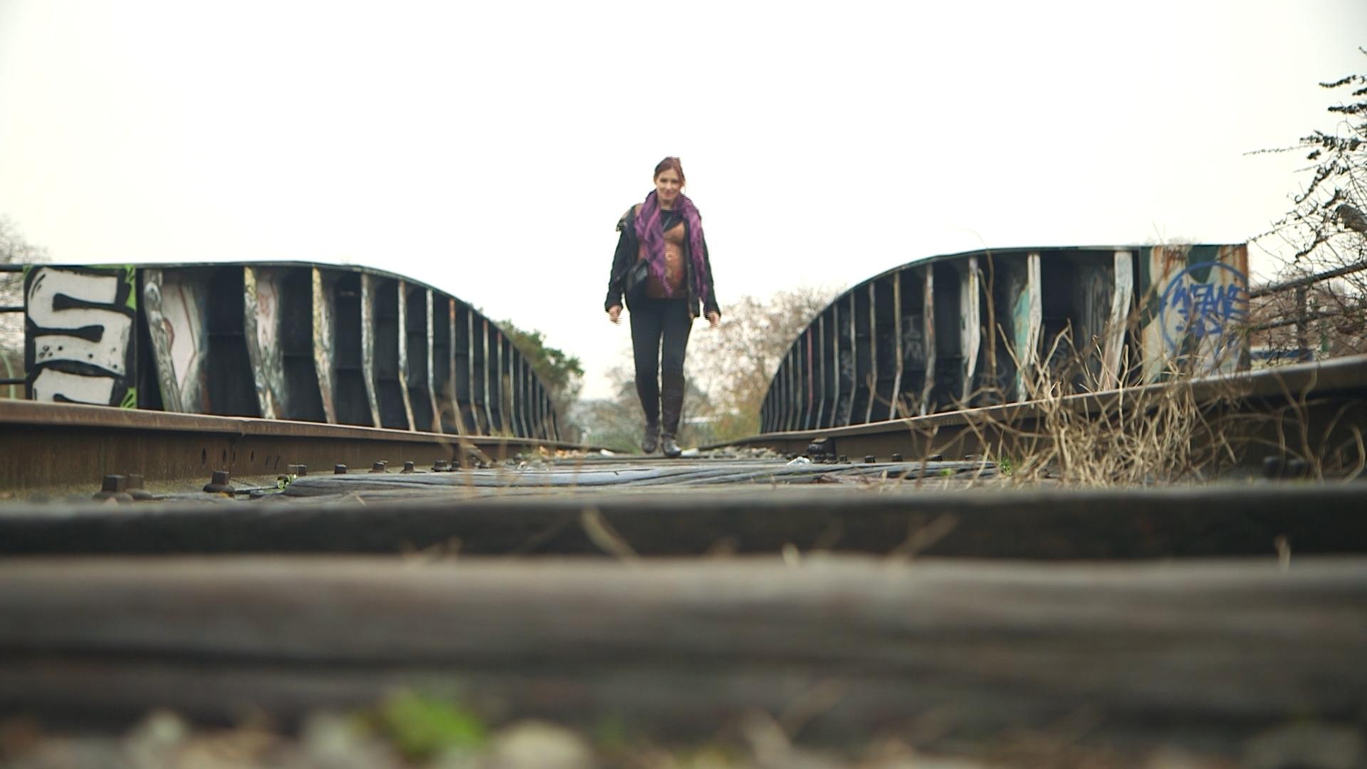 N°2 - Katia Squat sur voies ferrées